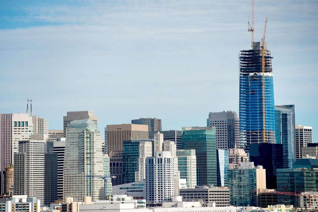 181 Fremont under construction in skyline