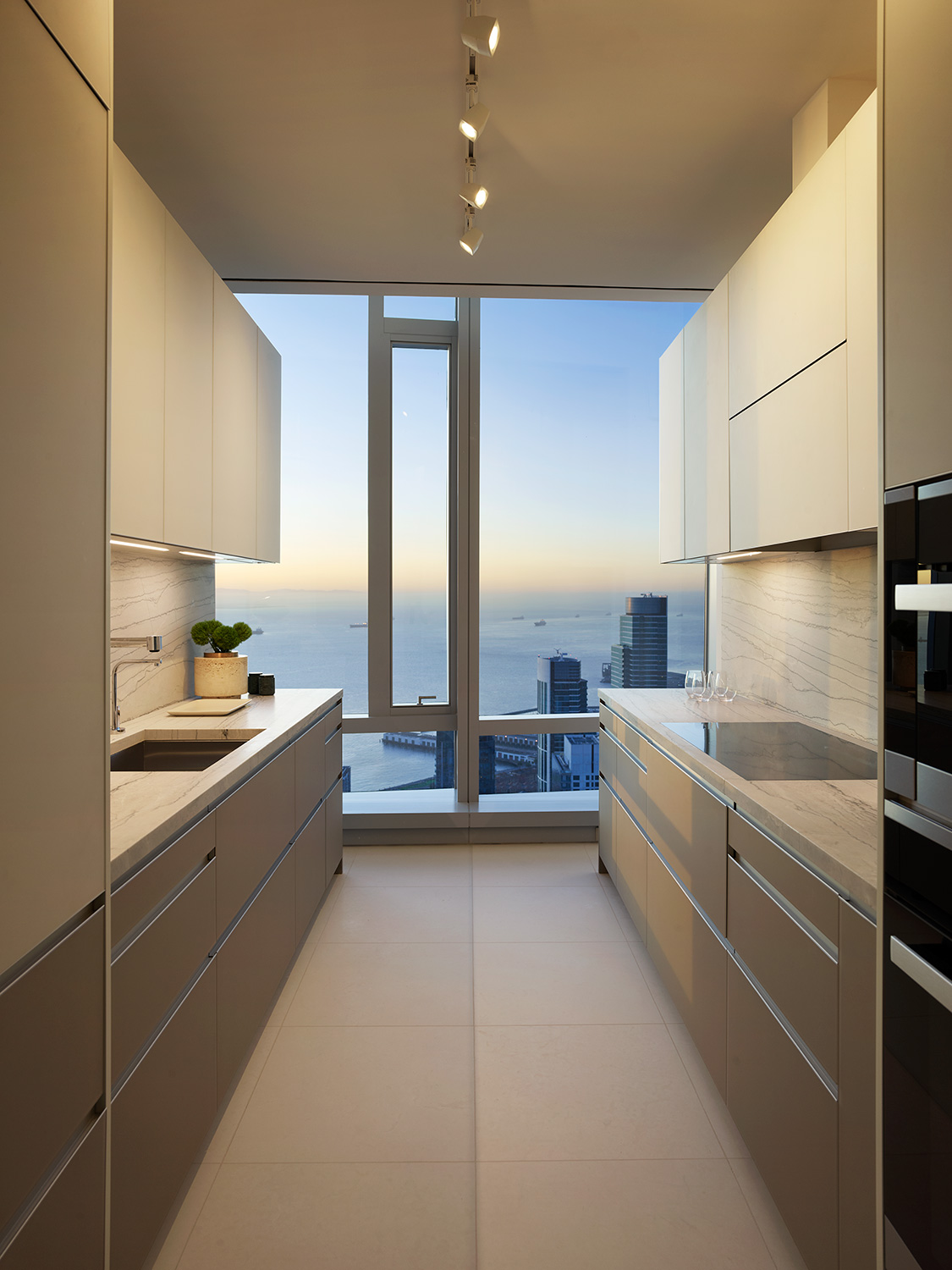 Grand Penthouse catering kitchen with view